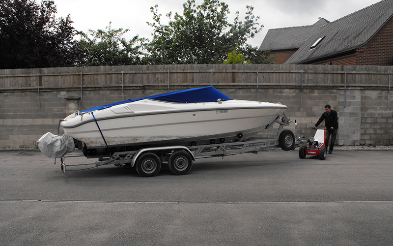 Moving 2,000Kg twin axle boat trailer with the MUV Trailer Mover