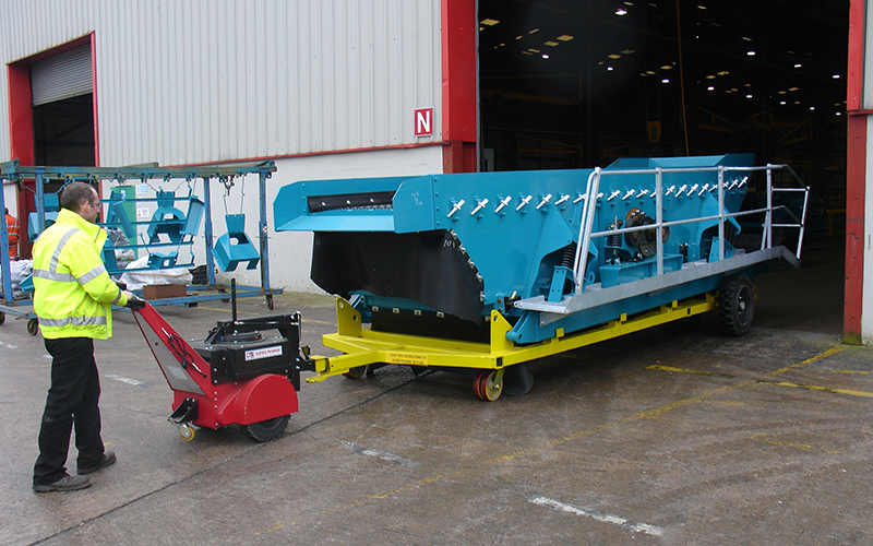 Super Power Pusher, with Steering Arm, moving 6,500Kg screen box assemblies for Terex-Powerscreen